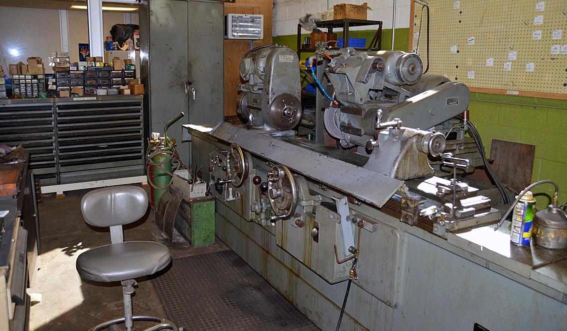 Norton 12″ diameter swing x 35″ lg Universal Grinder